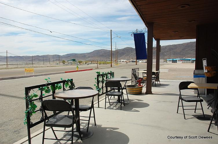 Desert Holly Cafe - Trona