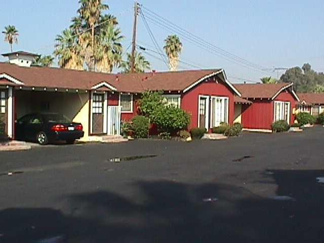 Farm House Motel Riverside