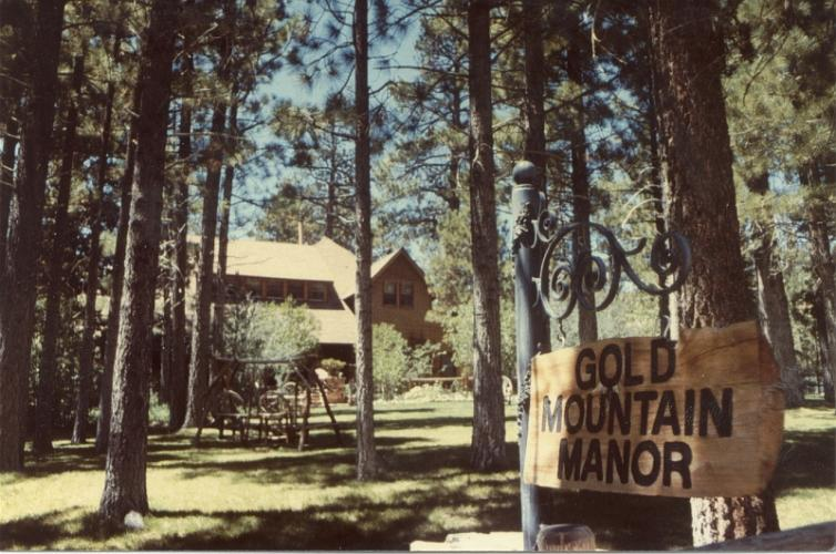 Gold Mountain Manor - Big Bear City