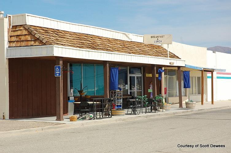 Desert Holly Cafe - Trona