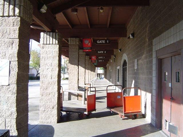 Greyhound Bus Station - Riverside