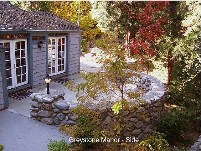 Greystone Manor Crestline