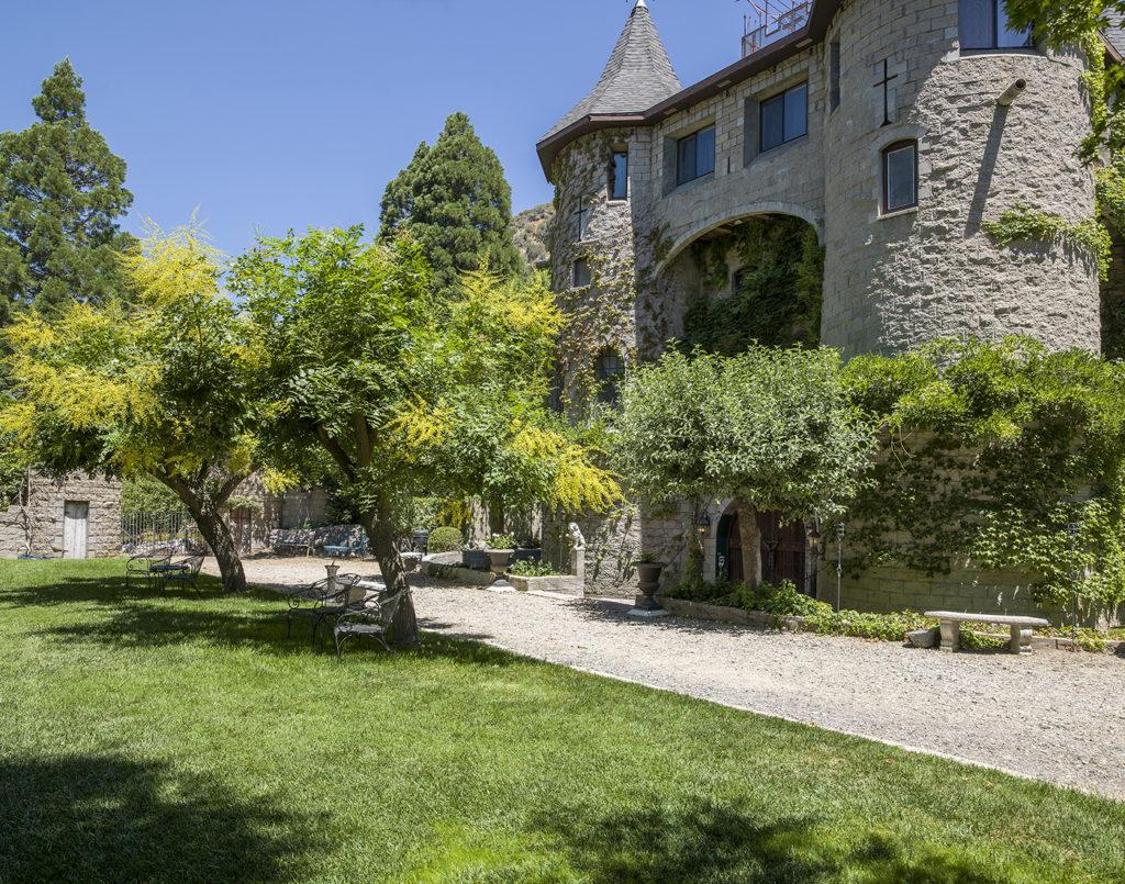 Oak Glen Castle - Oak Glen-04