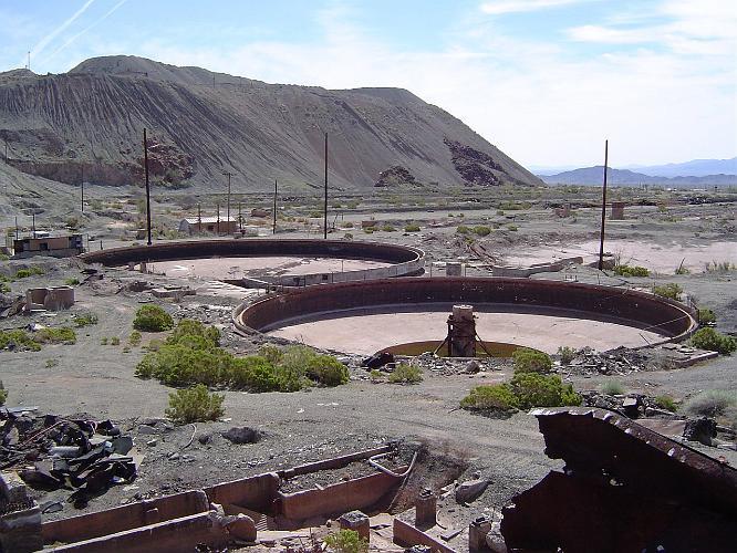 Eagle_mountain_iron_mine Desert Center 2